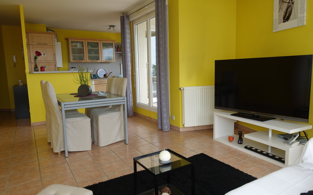 Home Staging: 3 pièces situé à Bron ( Lyon )