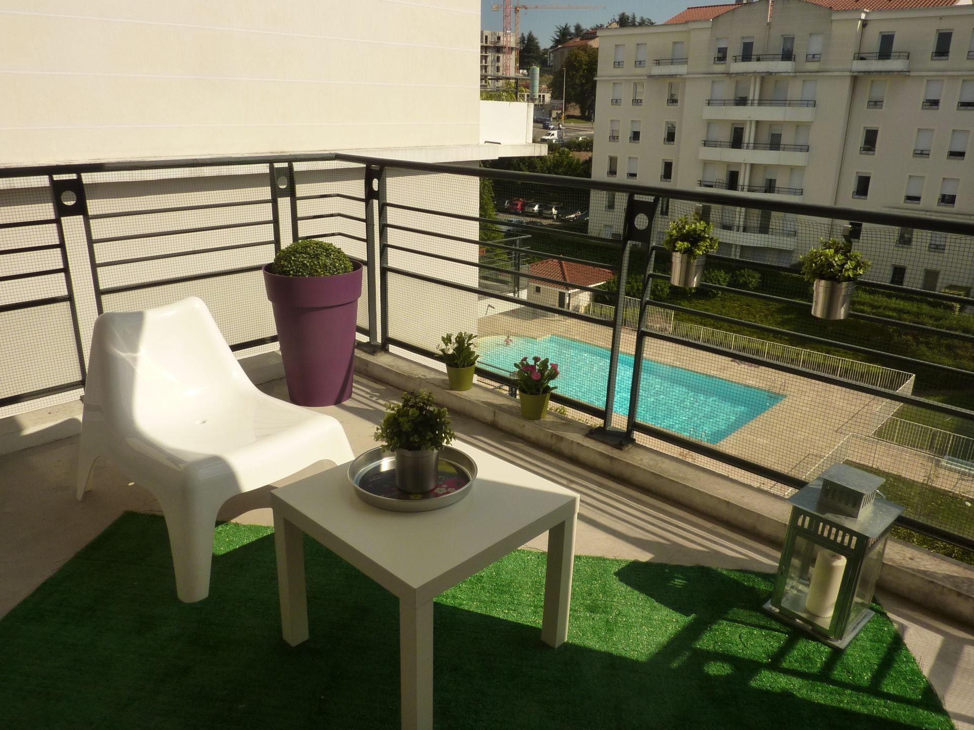 balcon décor charme et verdure
